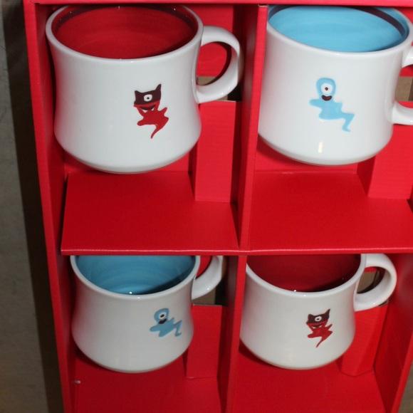 STARBUCKS set of 4 collectible mugs original box